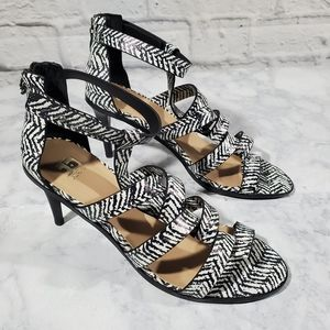 Joes Heels 8 Black and White Open Toe